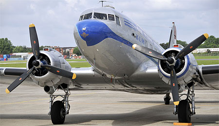 Carrefour de l'Air - Douglas DC3 F-AZTE F-BBBE