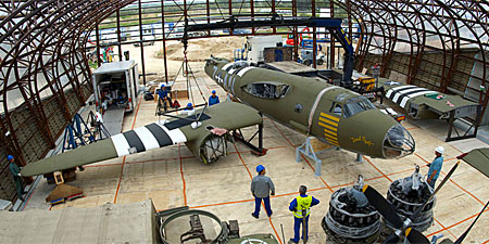 Remontage du B-26G Marauder au musée d'Utah Beach